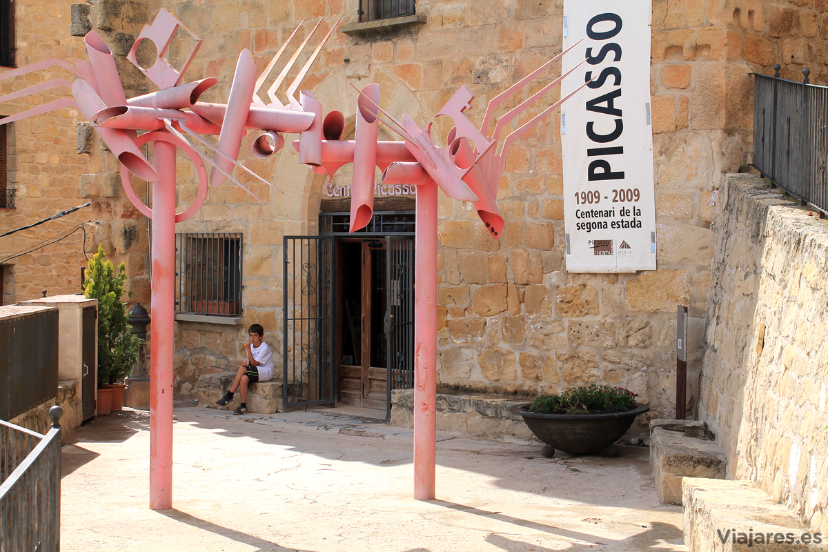 Fachada del Centro Picasso en Horta de Sant Joan