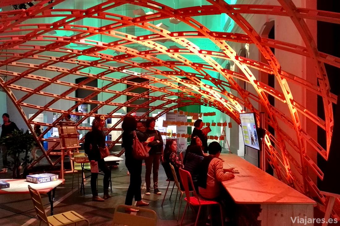 Exposición sobre ciudades imaginadas del futuro en Quai des Savoirs