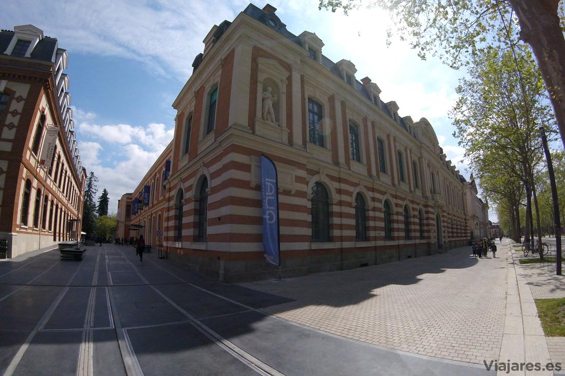 Edificio que aloja el centro Quai des Savoirs