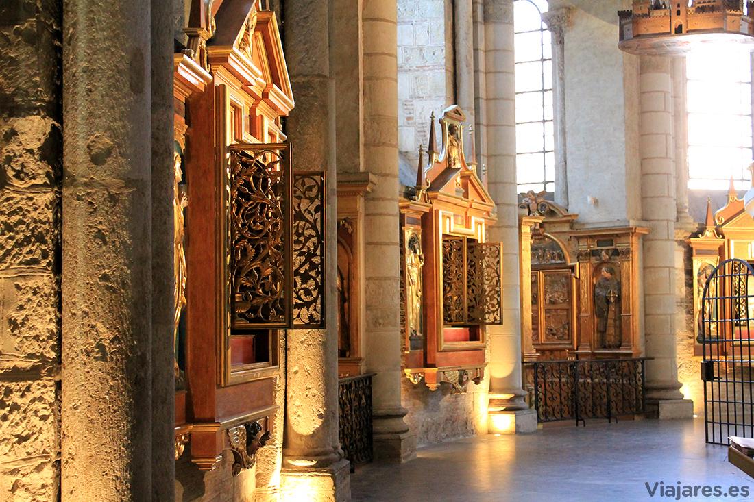 Interior de la Basílica de Saint Sernin