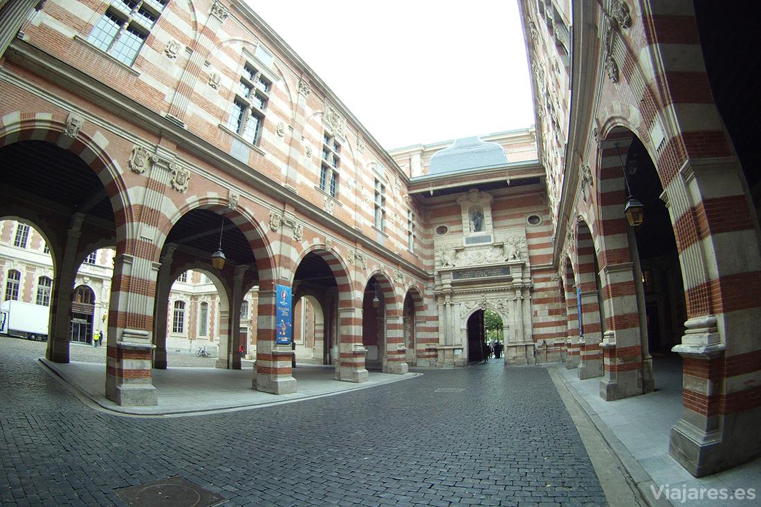 Interior del Ayuntamiento de Toulouse