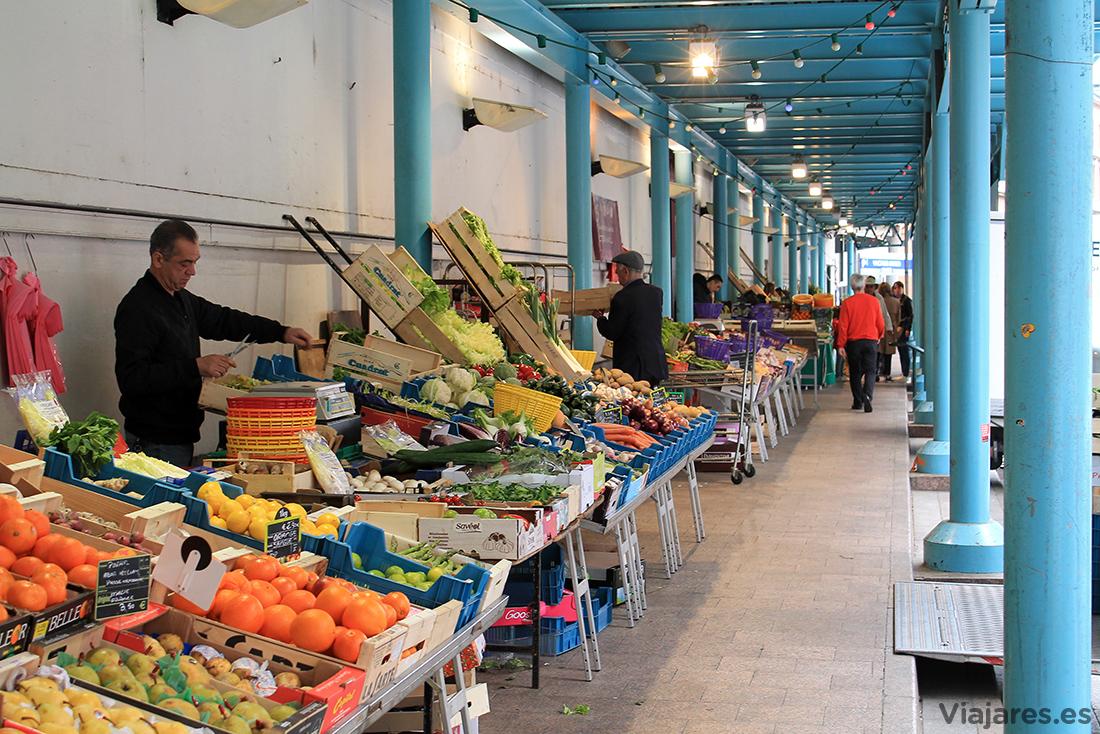 Frutas y verduras en el mercado Víctor Hugo