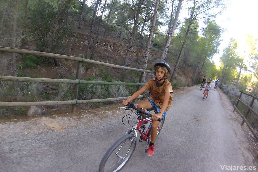 Equipo Viajares haciendo cicloturismo