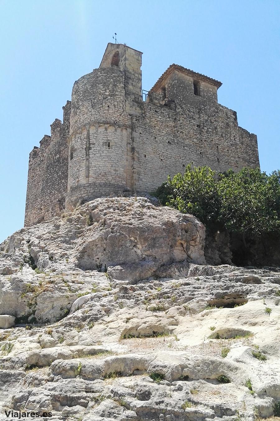 Silueta del castillo medieval de Calafell
