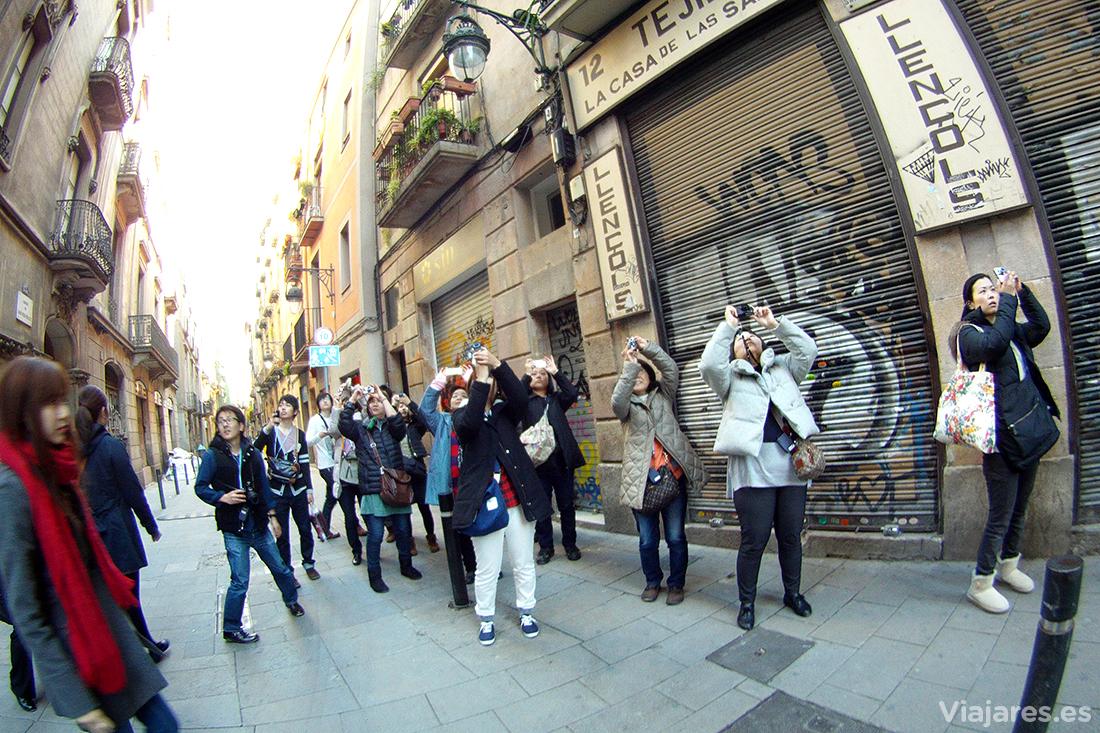 Turistas asiáticos en el centro de Barcelona