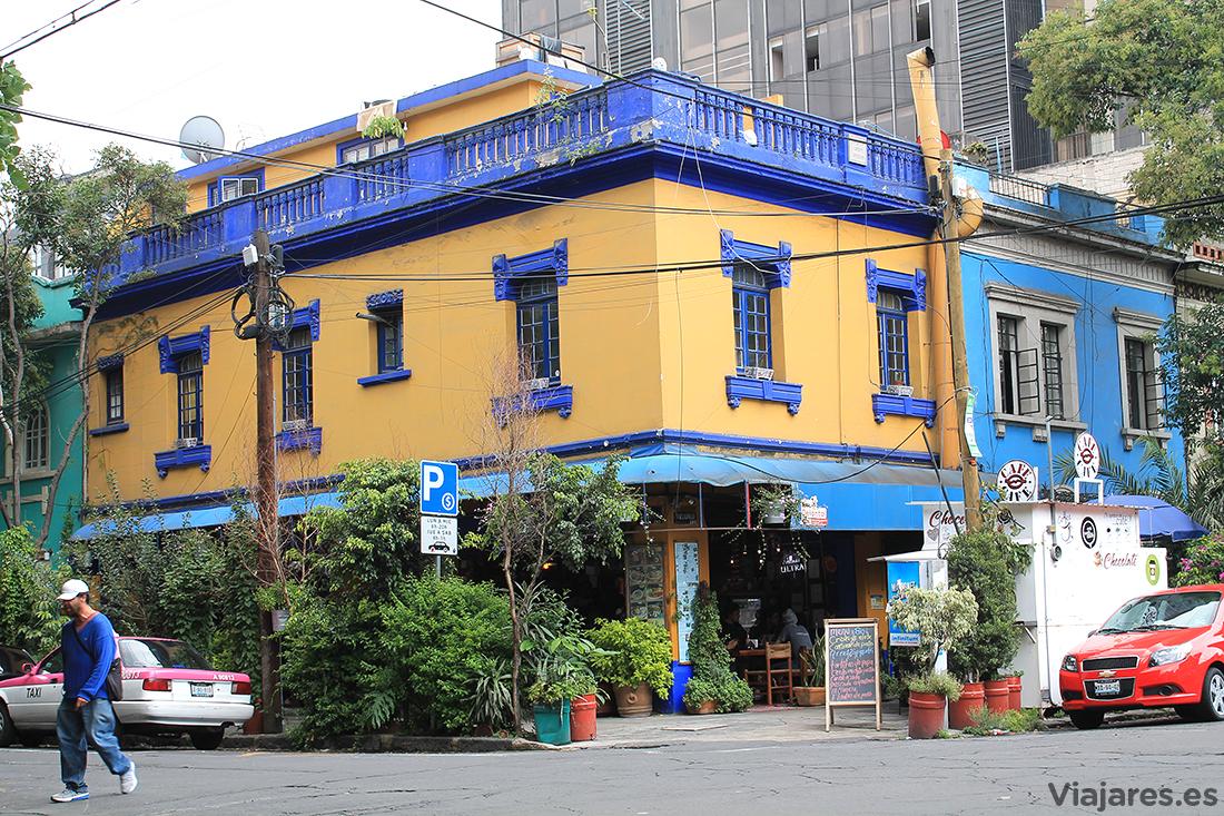 Casa llena de color en el barrio de Condesa
