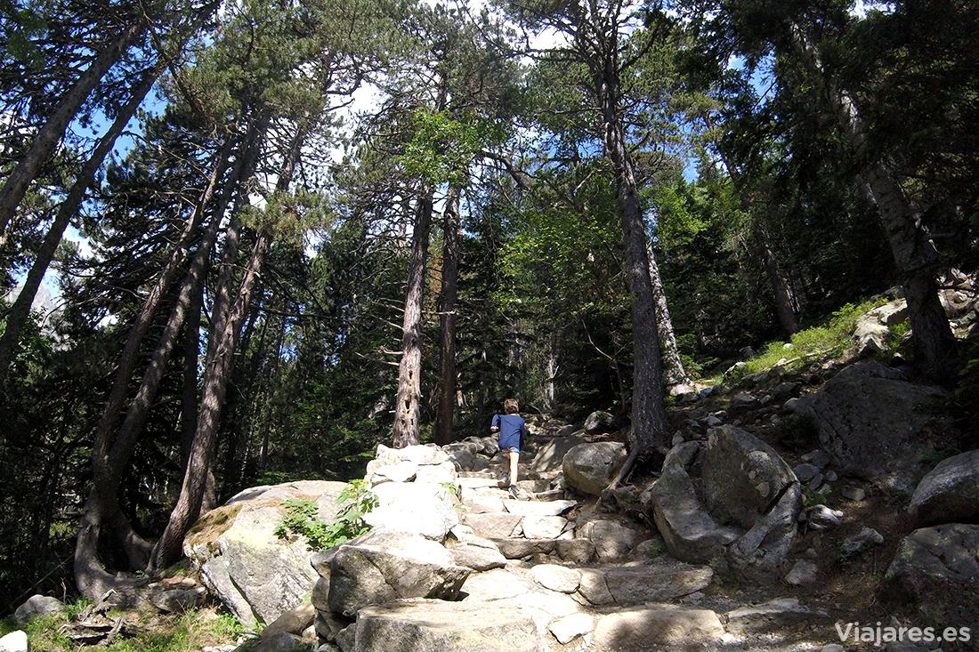 Caminando por el Pirineo de Lleida - Estany de Sant Maurici