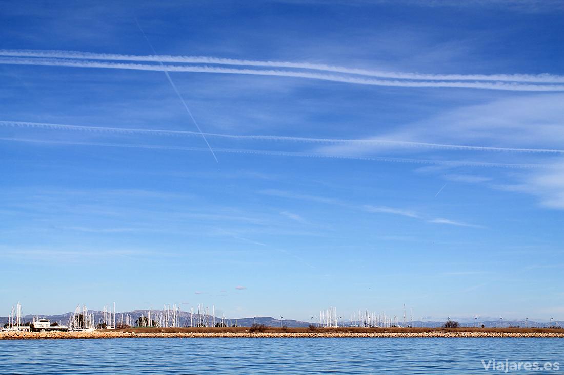 Mar, tierra y aire combinan a la perfección en el Delta del Ebro