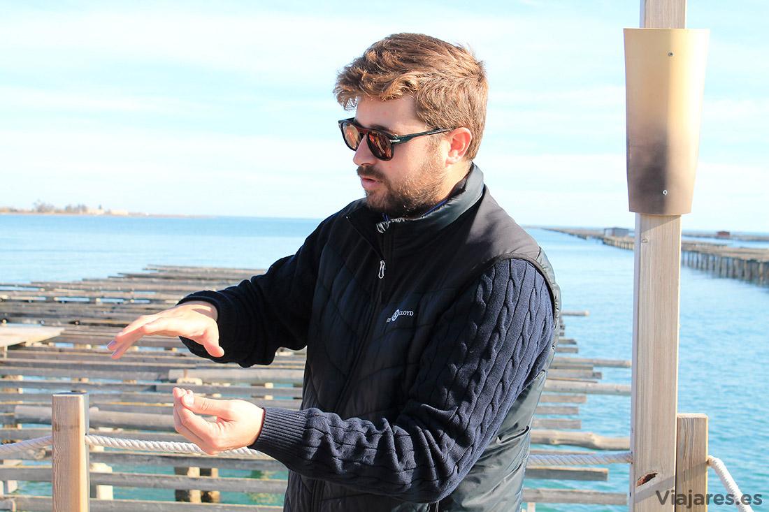 Explicaciones sobre el cultivo de ostras y mejillones