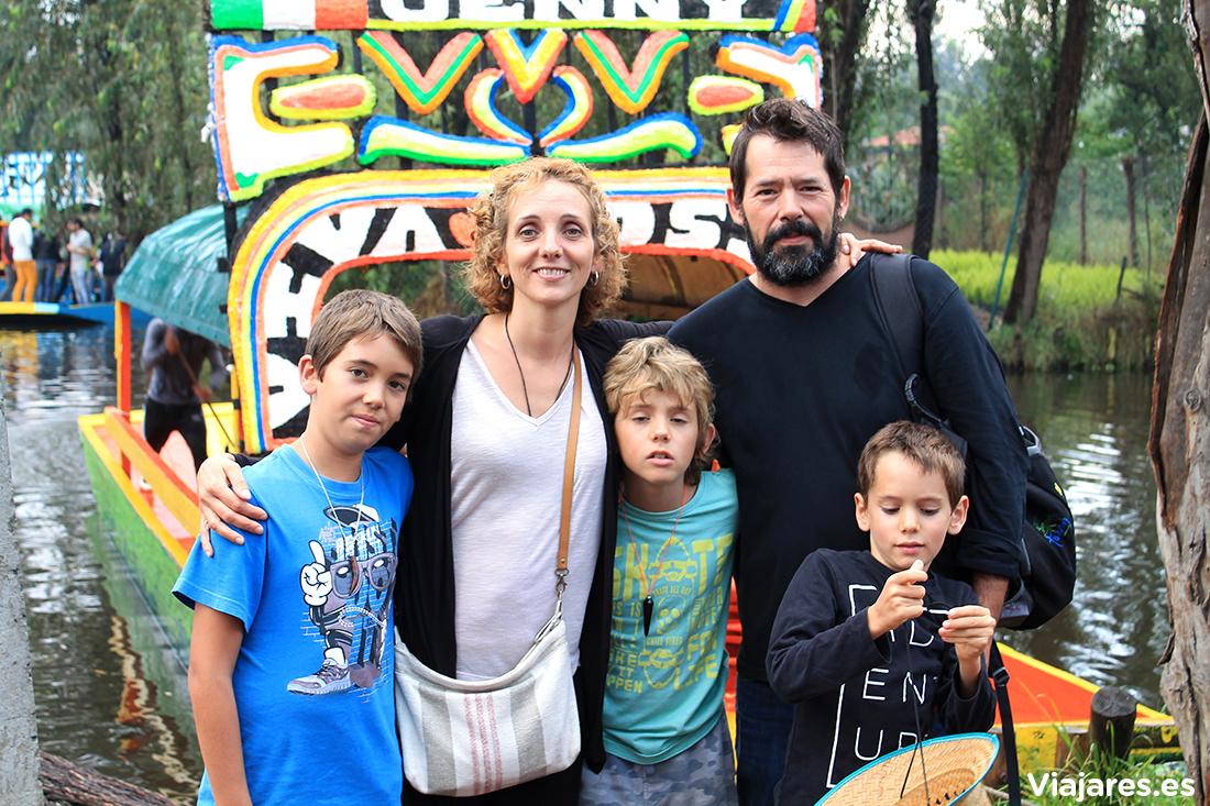 En familia por Xochimilco