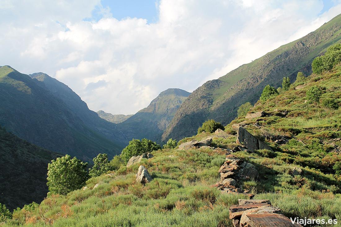 Paisaje a 1.400 m en el Valle de Unarre , Pirineo