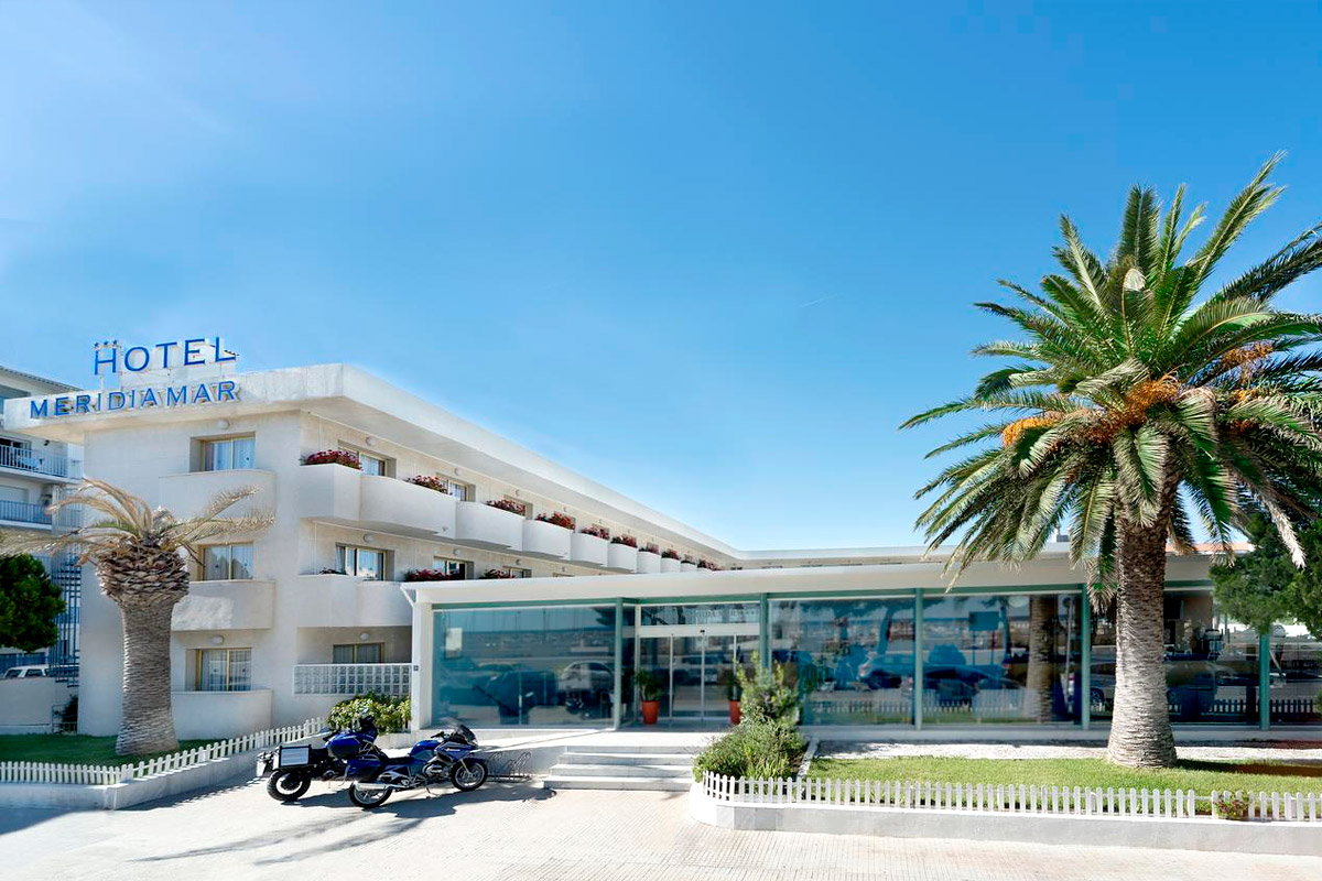 Fachada del 4R Hotel Meridià Mar en Hospitalet de l'Infant