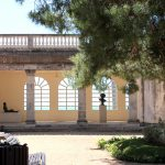 Jardines y galería de esculturas en el Museo Pau Casals