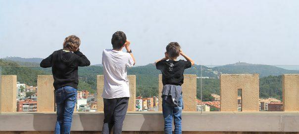 Oteando el horizonte desde lo alto del castillo