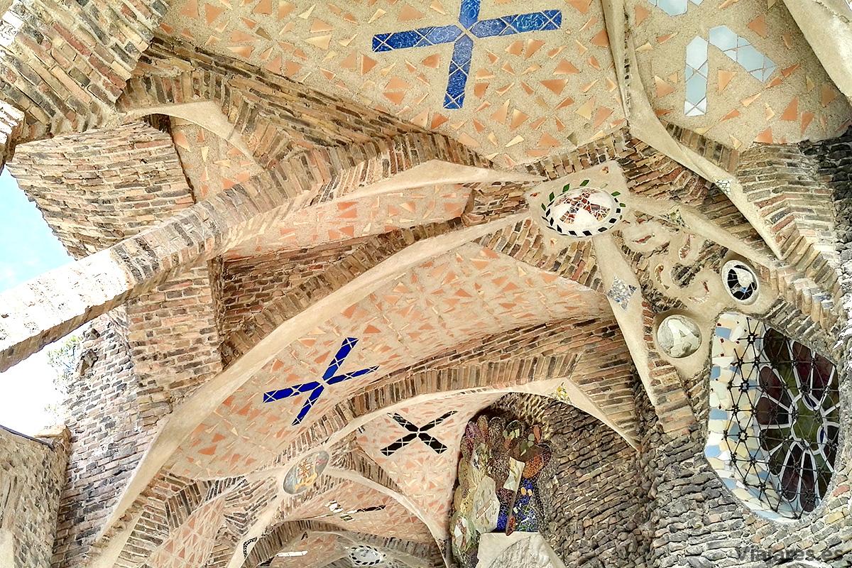 Cripta de la Colonia Güell obra de Gaudí