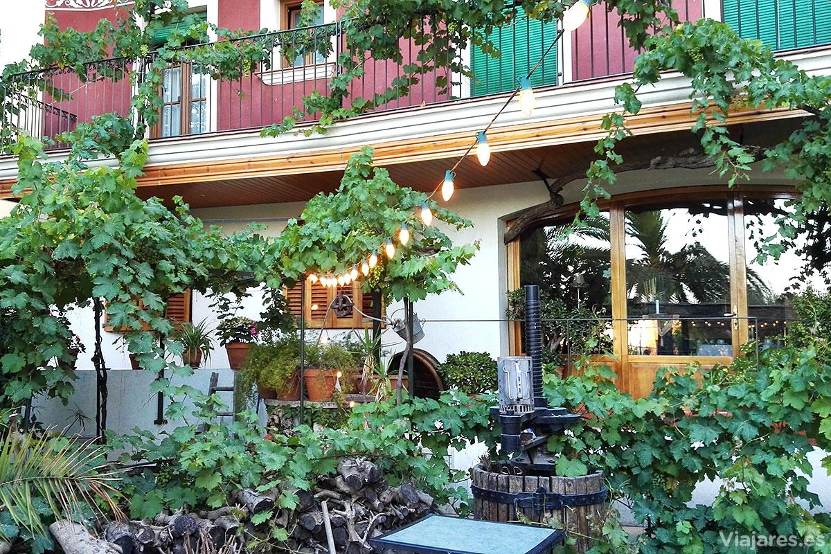 Jardín en la parte posterior del Hotel Antiga