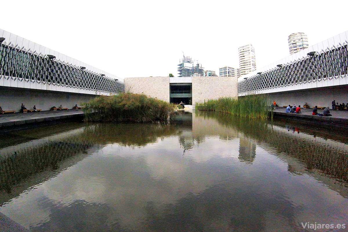 El edificio del MNA