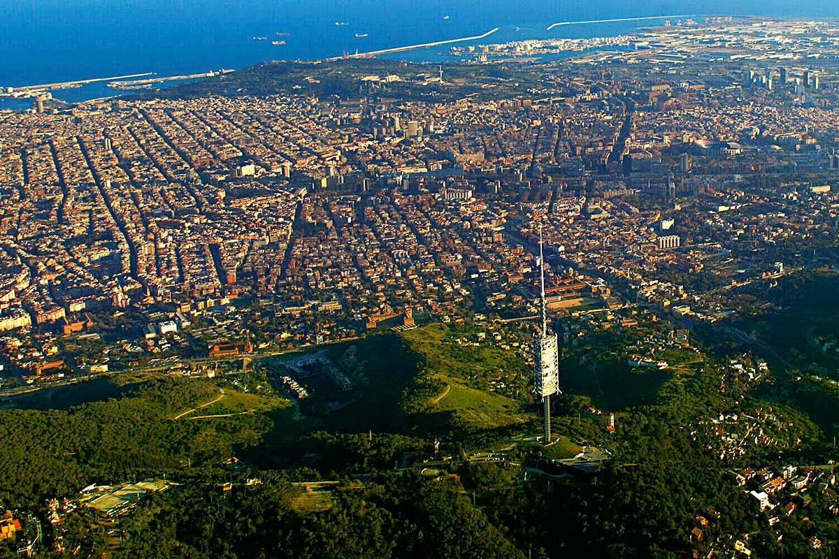 Torre de comunicaciones de Collserola y Barcelona