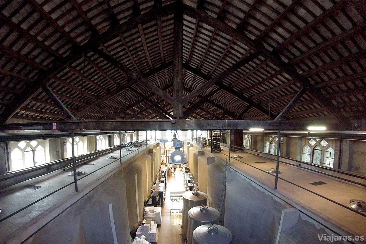 Interior del Celler Cooperatiu de Cornudella de Montsant