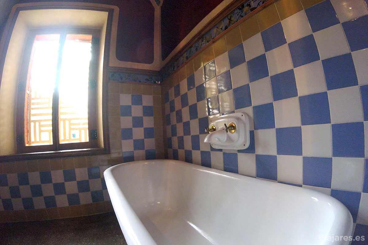 Baños en Casa Vicens