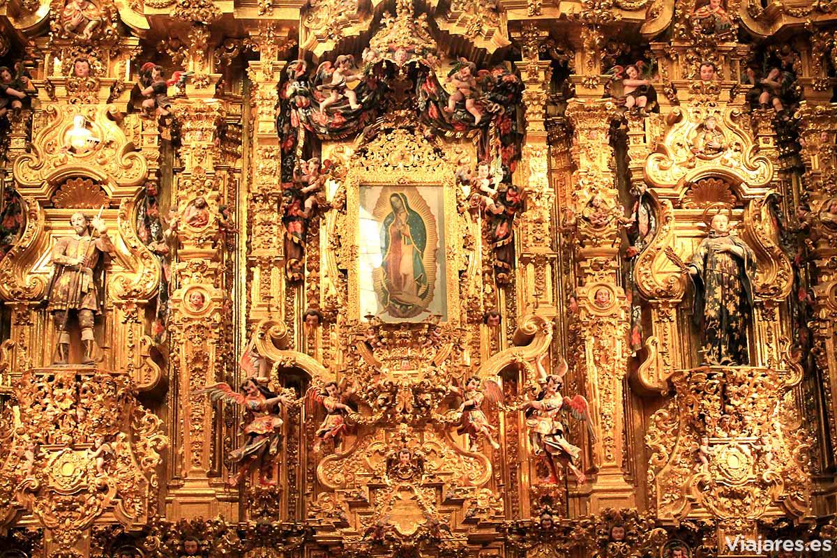 Interior del templo de San Francisco Javier