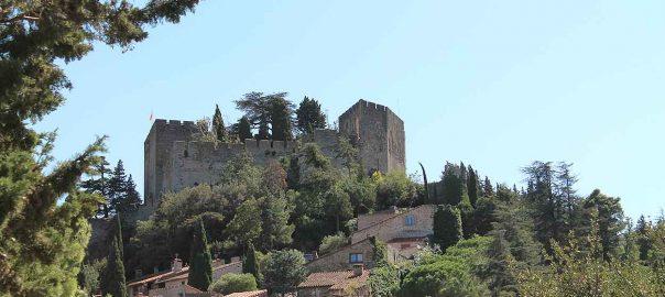 Perfil recortado del castillo